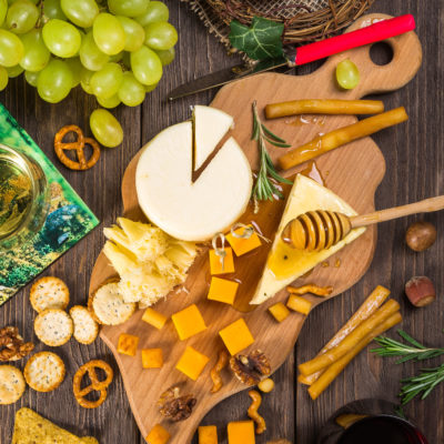 How to Create a Holiday Cheese Plate