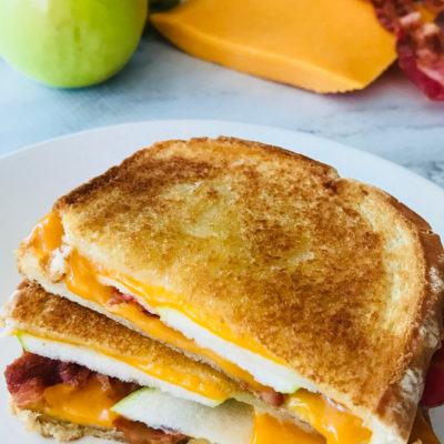 The Best Gourmet Grilled Cheese: Green Apple, Bacon & Sharp Cheddar