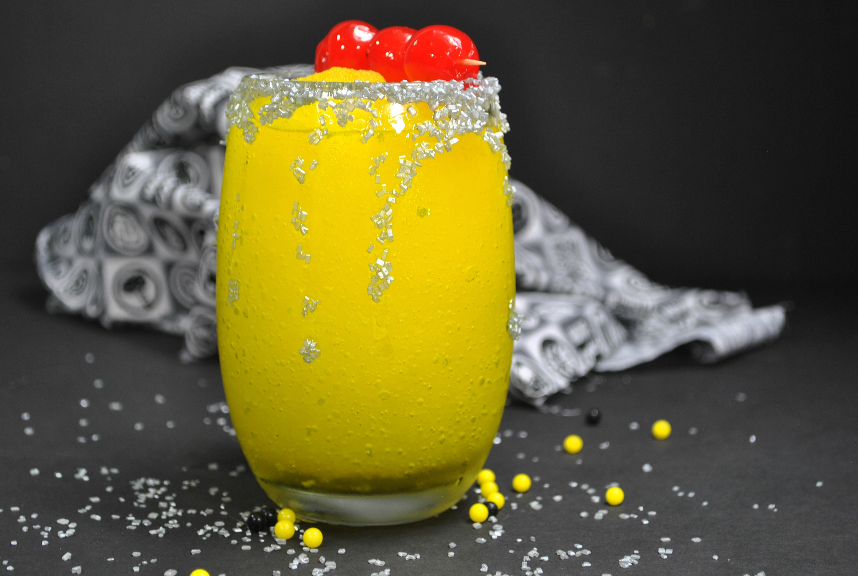 Frozen Pineapple Cocktail, Wasp Cocktail, Ant-man and the wasp, marvel cocktails
