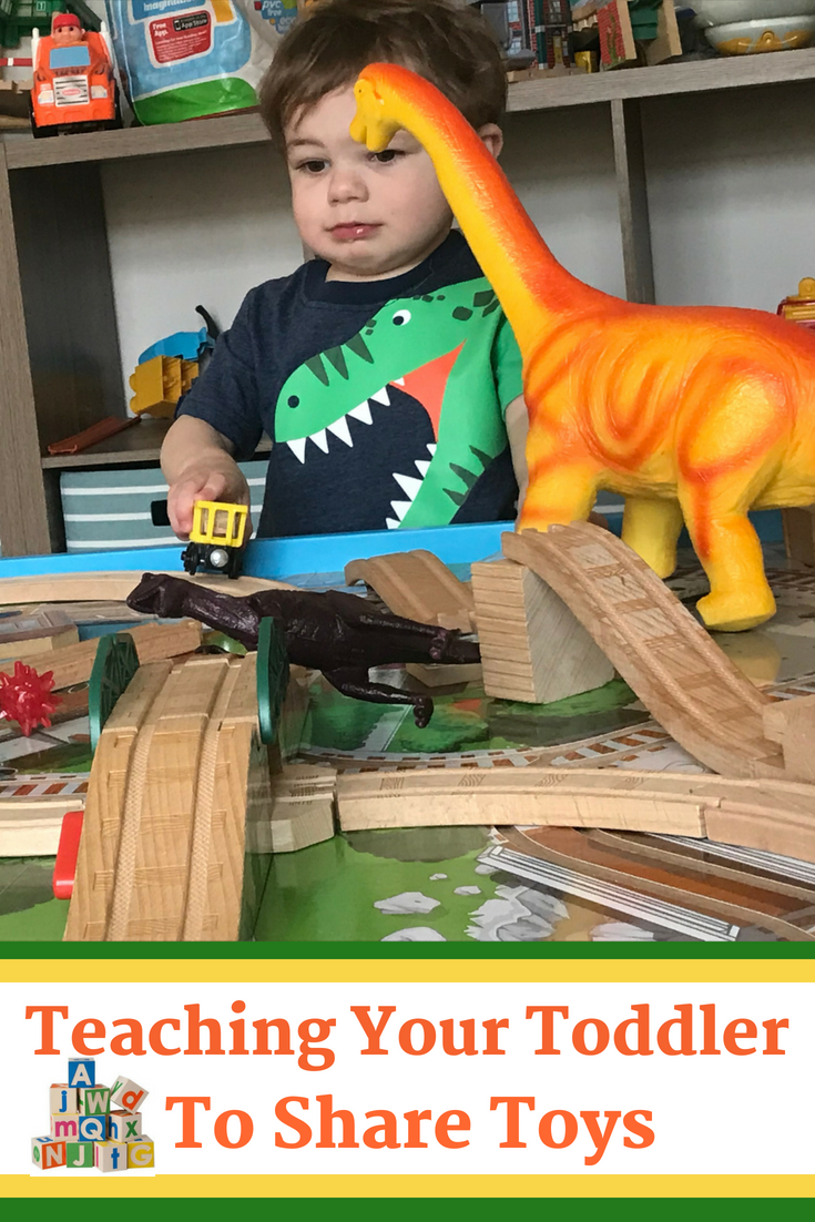 Tips to teach toddlers how to share when they lack communication and get frustrated easily. #Toddler #Kids #Parenting #MomLife