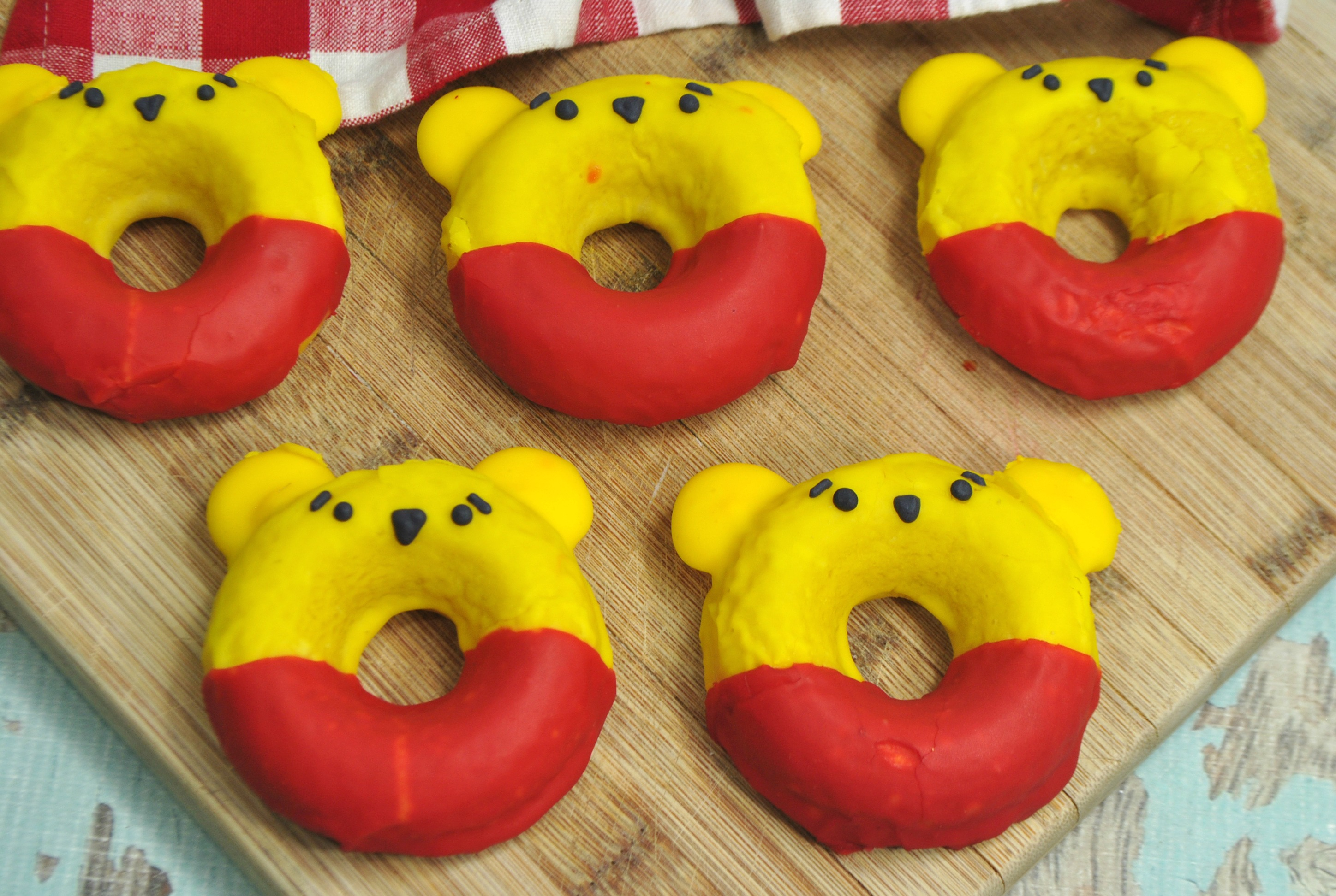 Winnie The Pooh Donut Recipe, Winnie The Pooh, Christopher Robin Movie, Disney's Christopher Robin
