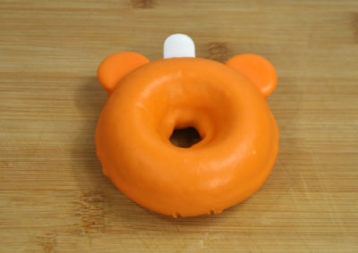 Mickey Pumpkin Donuts, Mickey Doughnuts, Halloween Disney Treats, Halloween Baking