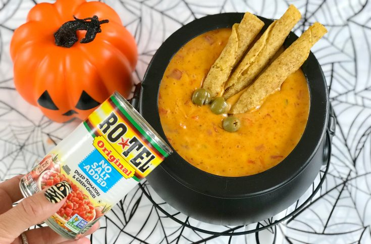 Halloween Cheese Dip, Halloween Chili Con Queso, Halloween Zombie Fingers, Halloween Recipe, Halloween Appetizer
