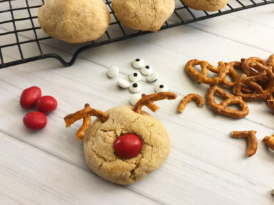 Peanut Butter Blossoms, Easy Christmas Cookies, Christmas Reindeer Cookies, Easy Christmas Cookies