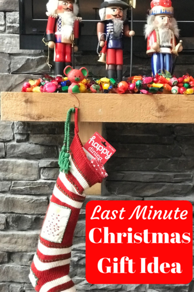 Need a last minute Christmas gift idea? Give them what they really want with Happy Cards! #AD #HolidayswithHappyCards