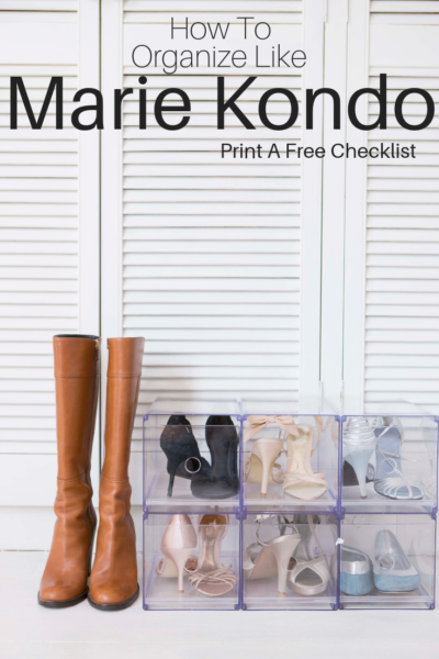 The best organizing tips from Marie Kondo! Print your FREE checklist to start organizing your home today. #MarieKondo #OrganizationTips #Organizing #Cleaning #NewYears