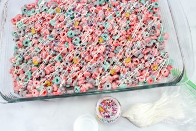Unicorn Rice Krispies Treat, Unicorn Dessert, Fruit Loop Dessert, Unicorn Kid's Party Ideas, Unicorn Kid's Dessert
