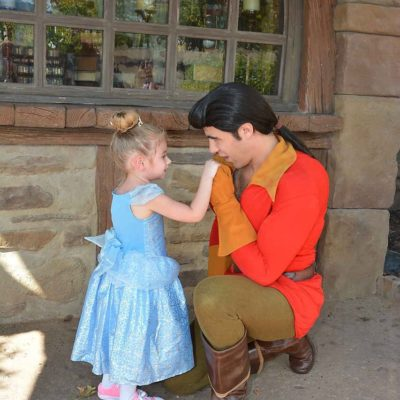 7 Tips For Introducing Your Toddler To Disney World Characters