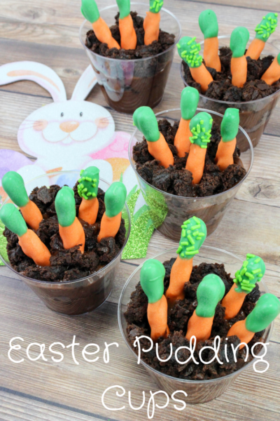 Easter Kids Snack Ideas: These carrot patch pudding cups are perfect for kids! A fun and easy spring snack. #Easter #EasterTreats #EasterDessert #KidsEaster #KidsSnacks #Spring #PuddingCups