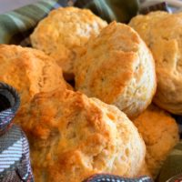 Easy Buttermilk Biscuits That Bake Perfect Every Time