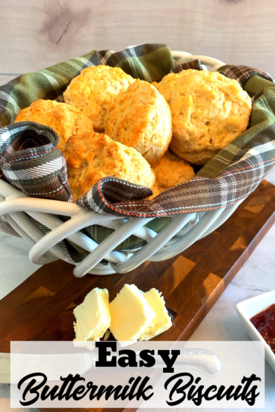 Easy Buttermilk Biscuits: These are the easiest biscuits you'll ever try making! They're baked to perfection every time. #biscuits #buttermilkbiscuits #easybiscuits #biscuitrecipe #homemadebiscuits