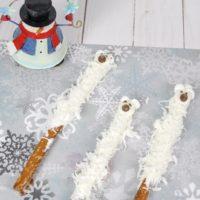 Polar Bear Pretzels, After School Snack Idea, Kid's Snack Idea, Kid's Winter Snack Idea