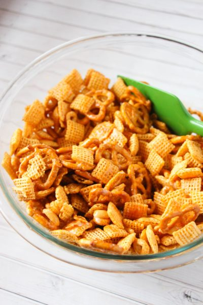 Crockpot Buffalo Chex Mix Recipe, Buffalo Chex Mix in the slow cooker, Tailgating Recipe, Snack Mix Recipe