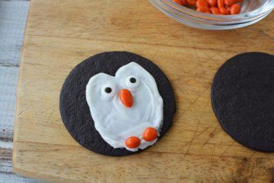 Easy Penguin Cookies, No Bake Holiday Dessert, Kids Holiday Dessert, Kids Christmas Cookies No Bake