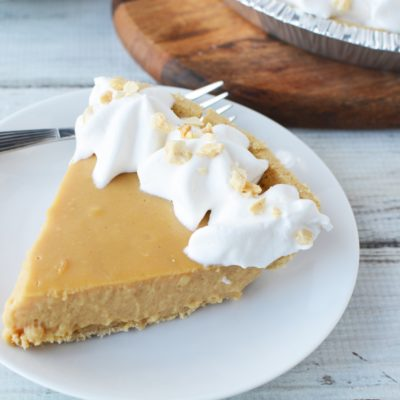 No-Bake Peanut Butter Pudding Pie Recipe (That's Crazy Easy)