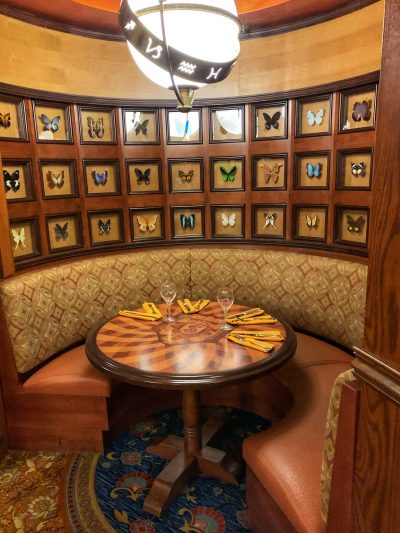 Skipper Canteen Dining Rooms, Skipper Canteen Atmosphere, Themed Disney Dining Options