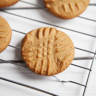 Easy Keto Peanut Butter Cookies Recipe (Low Carb)