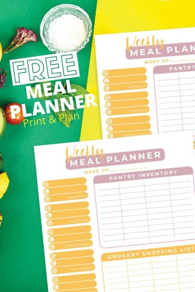 Print this FREE weekly meal planner kit, PLUS the best tips to help you stay organized and save money! #MealPlanning #WeeklylMealPlanning #GroceryShopping #Cooking