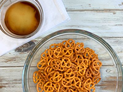 How To Make Apple Pie Spiced Pretzels