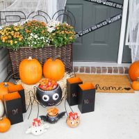31 Spectacular Halloween Front Porch Decorating Ideas