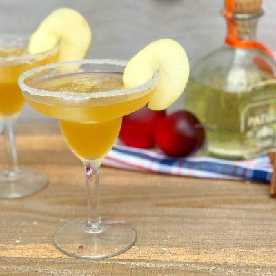 Refreshing Apple Pie Margarita Recipe (With Apple Cider)