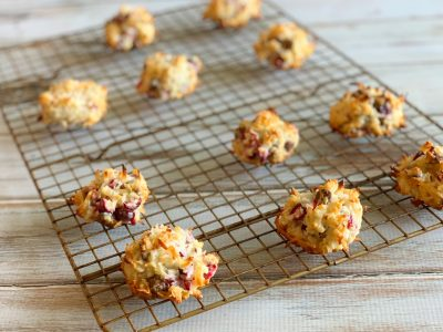 Easy Cranberry Chocolate Chip Coconut Macaroons Recipe