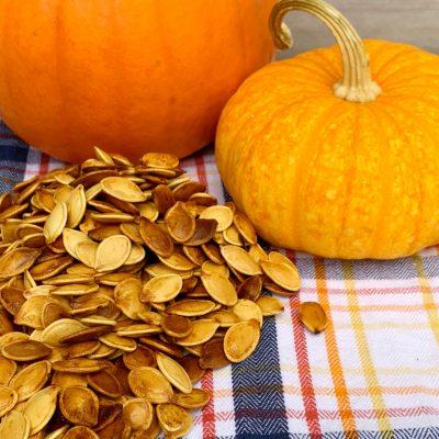 How To Make Roasted Pumpkin Seeds (Plus Seasoning Variations!)