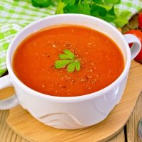 Easiest 20 Minute Tomato Basil Soup Recipe (With Only 6 Ingredients!)