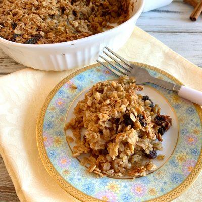 Heart-Healthy Oatmeal Raisin Breakfast Casserole Bake