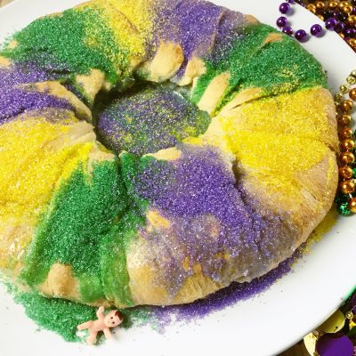Easy King Cake Recipe (Made With Pillsbury Crescent Rolls)