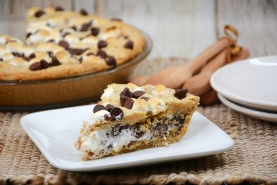 easy s'mores pie recipe with marshmallow fluff and graham cracker crust